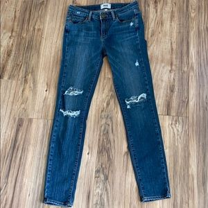 Perfect deconstructed midrise Jean